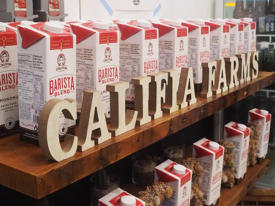 カリフィアファームズアーモンドミルク発売イベント開催